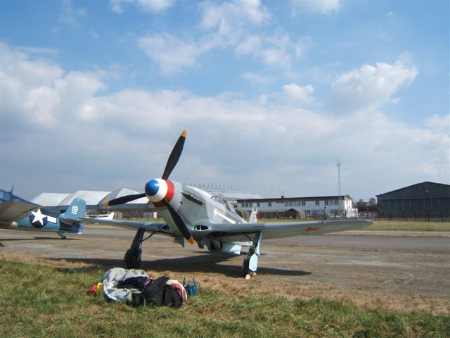 UN Yak3 en France MEETINGRENNESEXPONN2007001